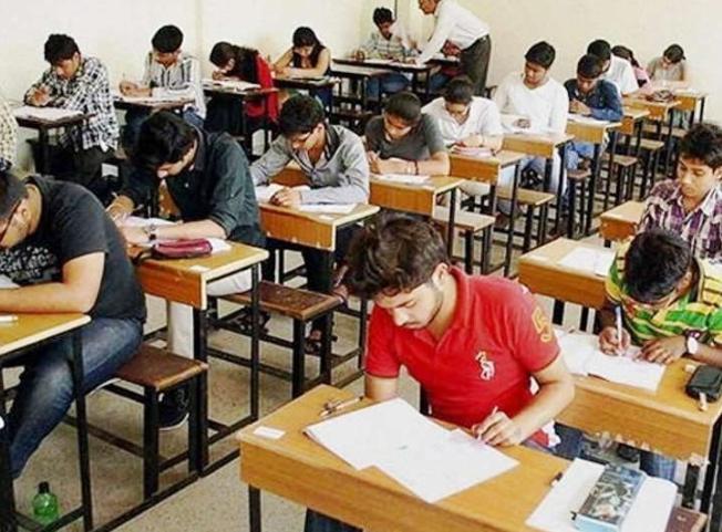 ધો.10 ગણિતનુ આજનું પેપર ઘણું અઘરૂ, વિદ્યાર્થીઓ ભારેનિરાશ