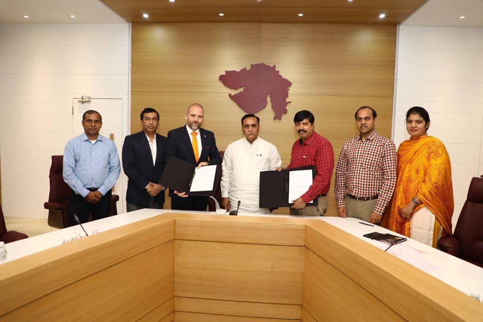 હવે ગુજરાતમાં પણ બનશે  ફલાઇંગ કાર, કાર કંપની  PAL-V અને રાજ્ય સરકાર વચ્ચે થયાMOU